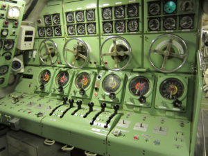 Gauges_on_board_Hr_Ms_Tonijn